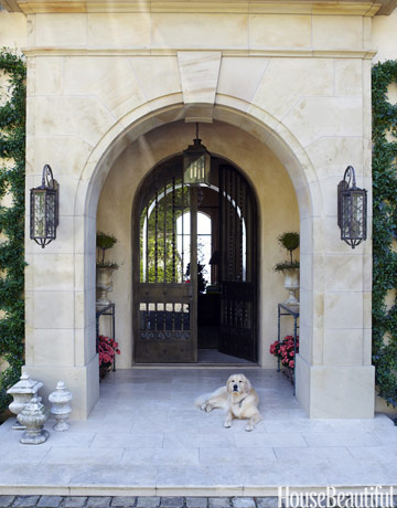 http://www.housebeautiful.com/decorating/dog-design?click=img_sr#slide-9